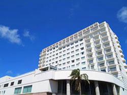 【宮古島】平良港に面した全室オーシャンビュー!市街地も徒歩圏内のアーバンリゾートホテル♪ホテルアトールエメラルド宮古島