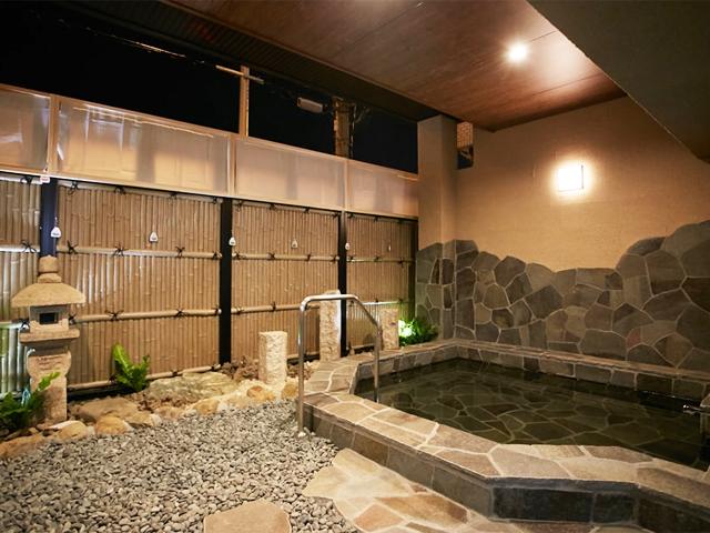 CORONAの湯(露天風呂・内風呂)