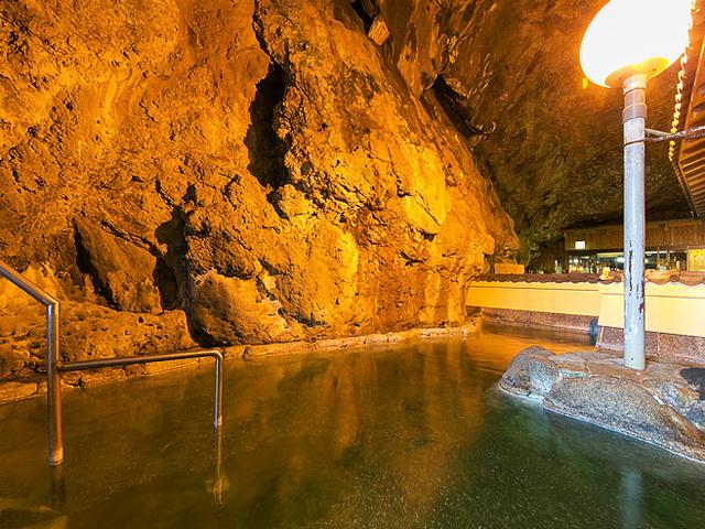 大洞窟風呂「玄武洞 げんぶどう」