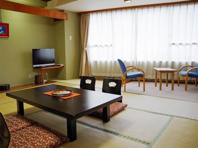 広々和室(10-12畳)一例