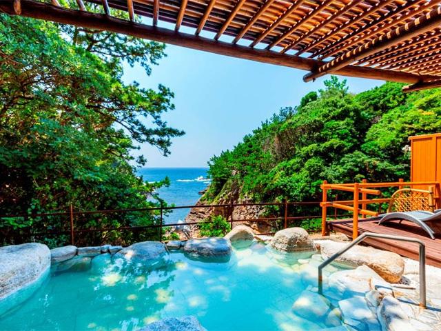大浴場「千寿の湯」 露天風呂「紅麗の湯」