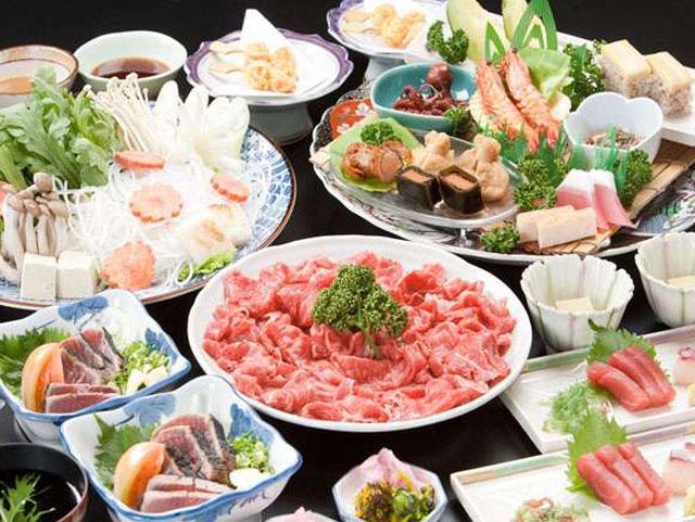 皿鉢料理 (部屋食)