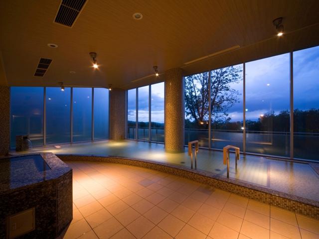 富良野温泉「紫彩の湯」(しさいのゆ)