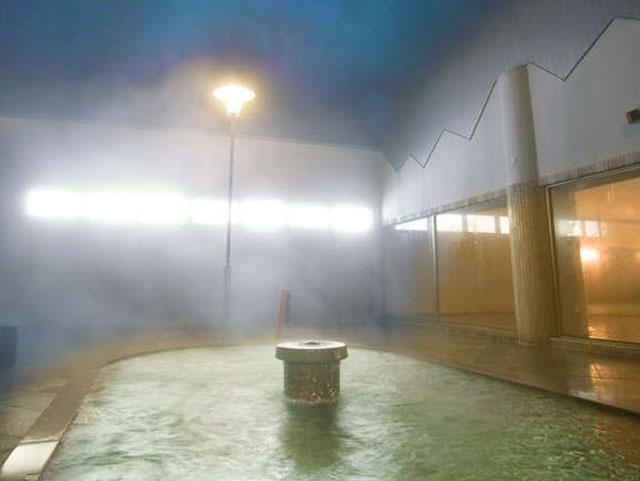 安比温泉 『白樺の湯』(安比高原温泉ホテル内、無料送迎あり)