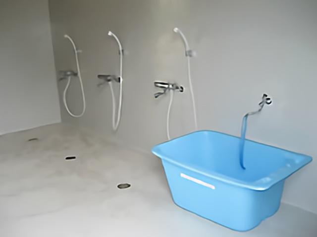 シャワー&ダイビング器材洗い場