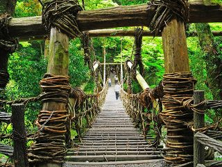 秘境「祖谷渓・大歩危」の絶景をめぐる!徳島定番観光も押さえた2泊3日モデルコース