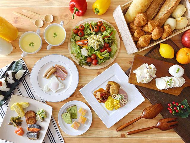 朝食:ビュッフェレストラン