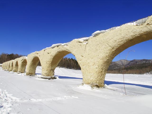 糠平湖のタウシュベツ川橋梁