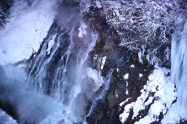 白ひげの滝 ライトアップ